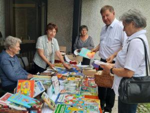 Tag der offenen Tür und Flohmarkt am Bücherstadl